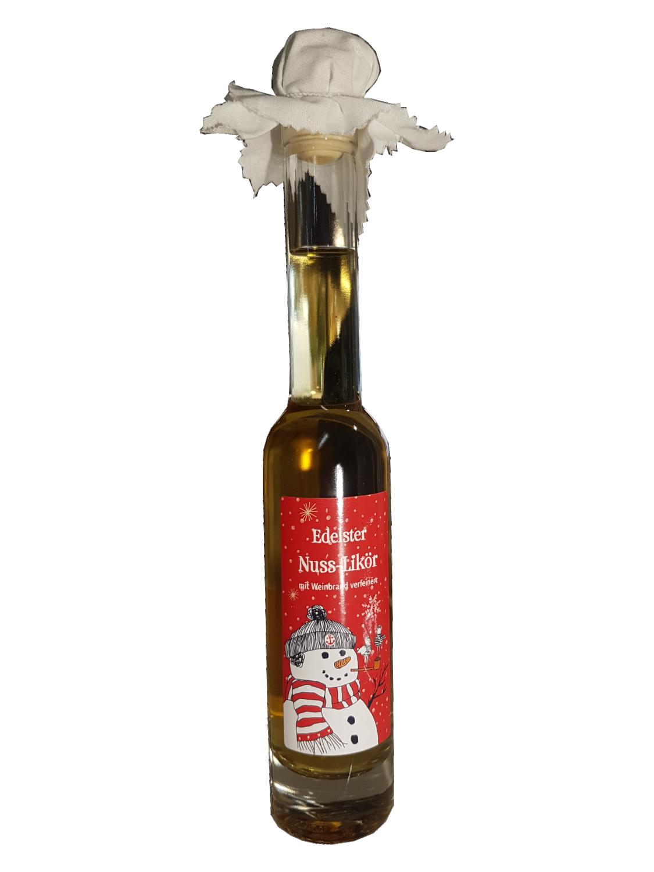 Nusslikör - mit Weinbrand verfeinert